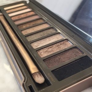 Urban Decay Naked 2 palette GUC minimally used